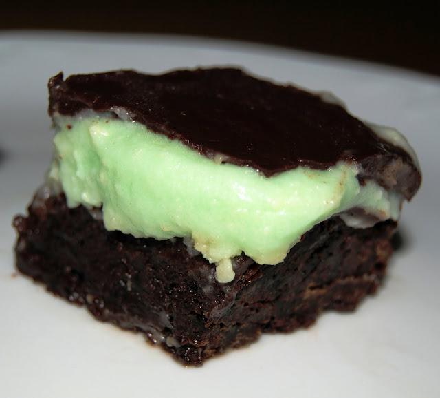 Asopaipas Brownie con Crema de Menta y Ganaché de Chocolate