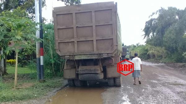 Gubernur Kalteng Tertibkan Truk Industri Berplat Non-KH. Bagaimana Truk-truk Tambang Tanpa Plat Nomor?
