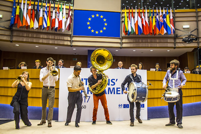 Stand Up For Europe - Parlement européen - Photo by Ben Heine
