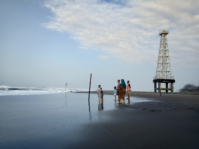 Pantai Jayanti, Ombak Samudra Hindia Yang Menggila