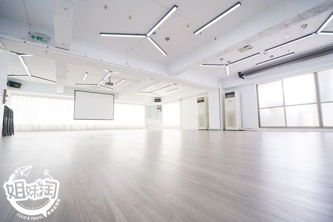 台南場地租借推薦-小時計費外加平假日的價格都一樣的優質出租空間-888無限創意空間