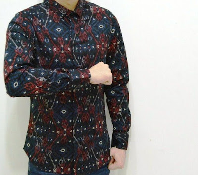 batik slim fit solo