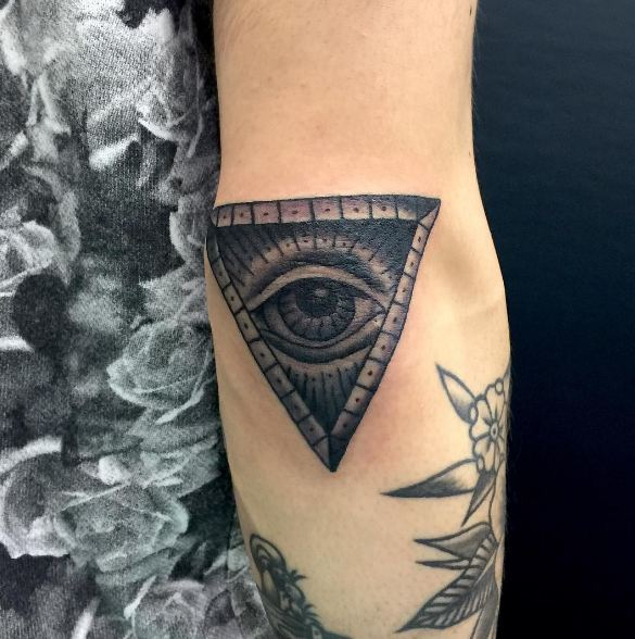 Tattoo Designs Elbow: 50 Traditional Elbow Tattoos Ideas And Designs (2018