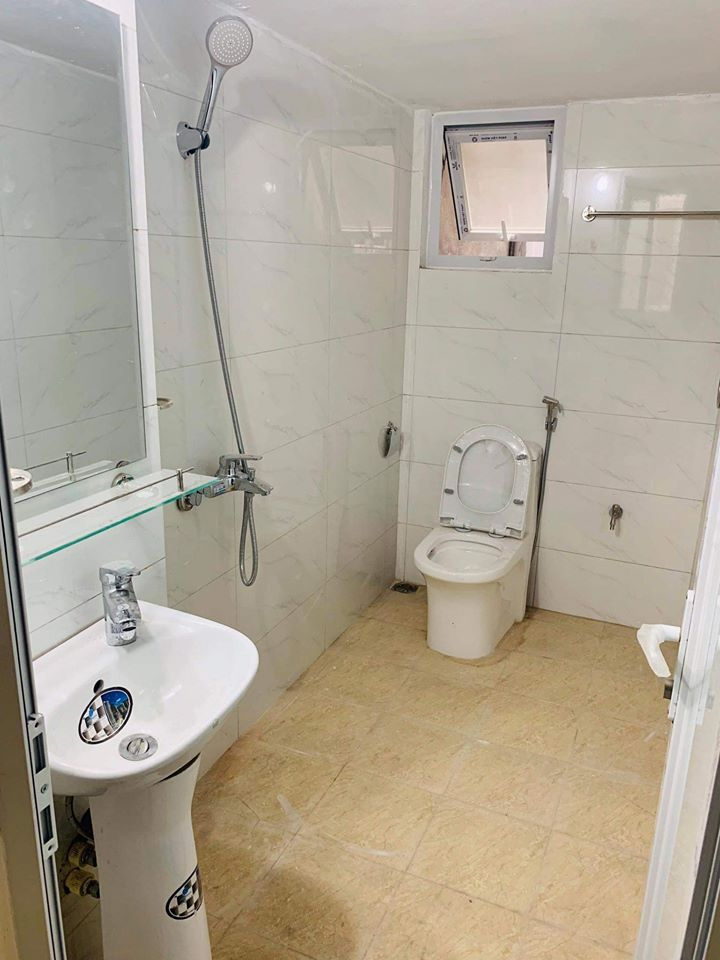 Phòng trọ khu cầu giấy có nhà vệ sinh khép kín rộng rãi sạch sẽ