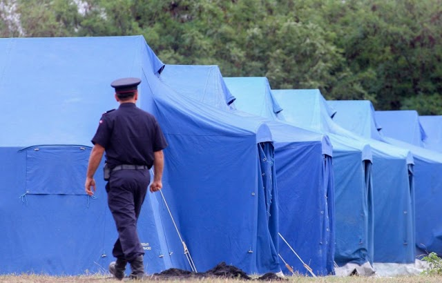Büntető feljelentést tesz az EMNT a román kormány ellen migránsok befogadása miatt