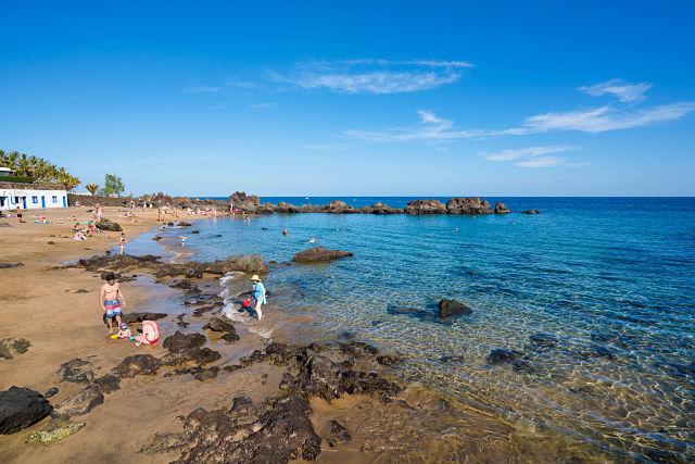 Guía_playas_bandera_azul_Lanzarote_Playa_Chica_Puerto_Carmen_01