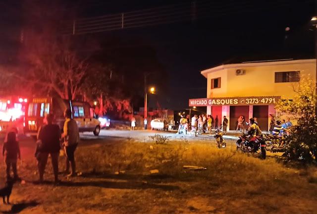Casa pega fogo e homem morre carbonizado no Parque dos Pinheiros, em Álvares Machado