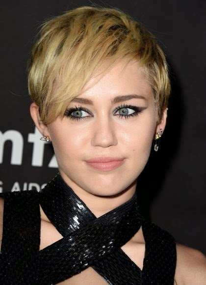 Miley Cyrus Sexy HD Wallpaper, Miley Cyrus Sexy sexy Photos, Miley Cyrus Sexy pictures, Miley Cyrus Sexy images