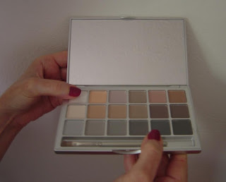 Kryolan Variety V3 Neutral Eye Shadow Compact.jpeg