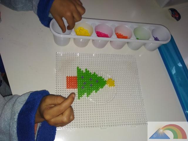 Árbol de Navidad con hama beads