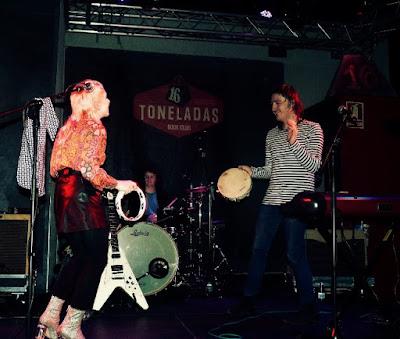 Con Wesley Fuller (Crónica concierto Sala 16 Toneladas, 13-12-2018) 3