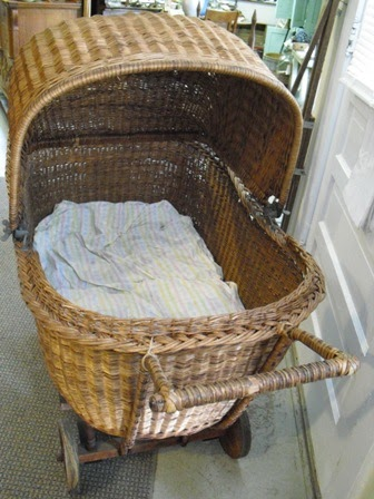 Old Raggedy Ann Antiques Late 1800 S Wicker Baby Carriage