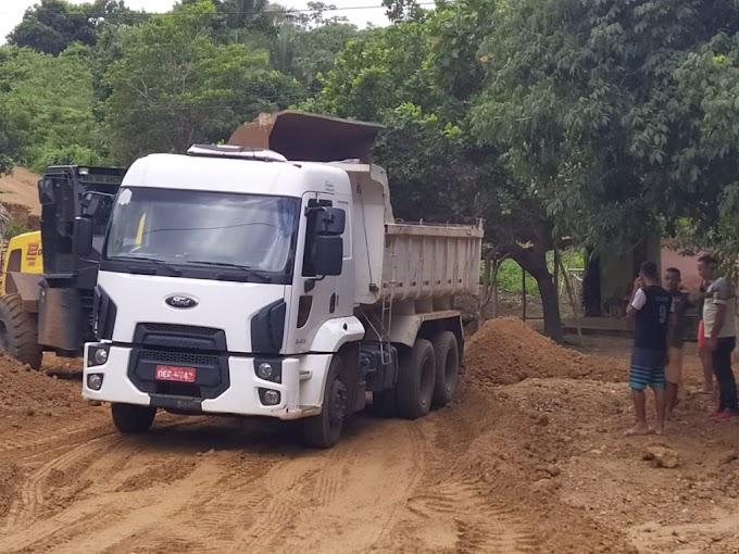 INFRAESTRUTURA – Prefeitura faz recuperação de estradas e intensifica limpeza no período chuvoso