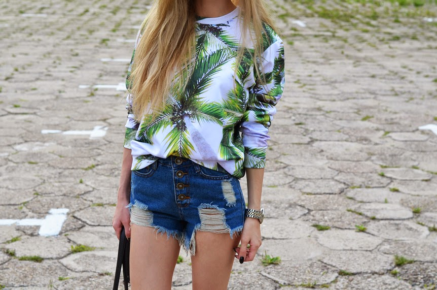 palm printed sweatshirt, ripped shorts,calvin klein bag, slip ons