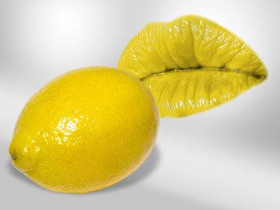فوائد شرب الماء الفاتر و الليمون