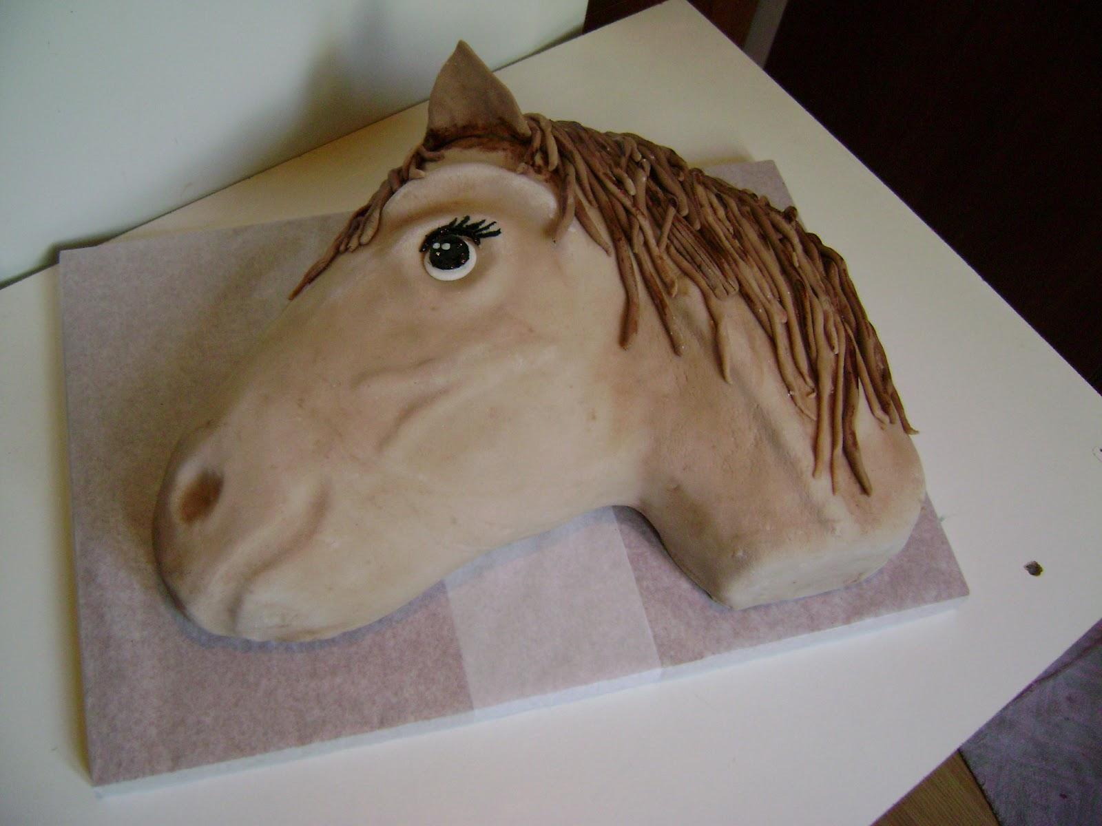 ló torta képek Judit tortácskái: Ló torta ló torta képek