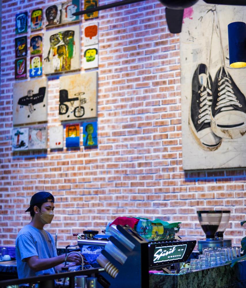 psyclist cafe, dataran phb