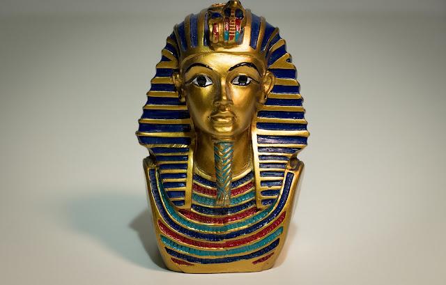 ツタンカーメンはなぜ有名?若き王の謎の墓とその死因