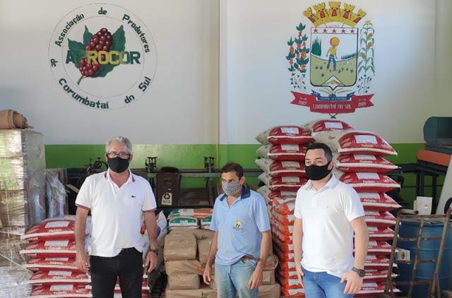 Roncadorenses visitam Associação de Produtores de Corumbataí do Sul