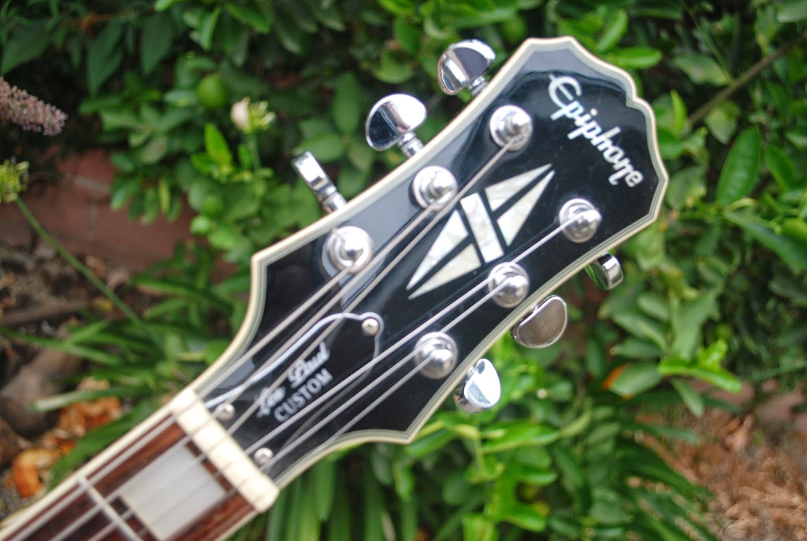 rex and the bass 2008 epiphone les paul custom silverburst electric guitar review. Black Bedroom Furniture Sets. Home Design Ideas