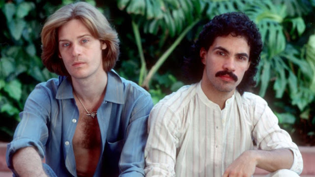 10 underrated hall and oates songs go retro. Black Bedroom Furniture Sets. Home Design Ideas