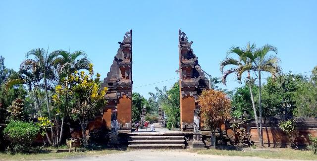 Taman Pura Lingsar Lombok