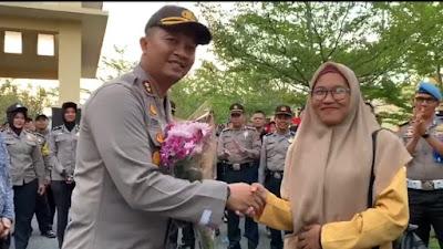 Berjalan Lancar, Polres Solok Kota AKBP Ferry Suwandi Beserta Jajaran  Kawal Aksi Demonstrasi  Aliansi Mahasiswa Solok Raya