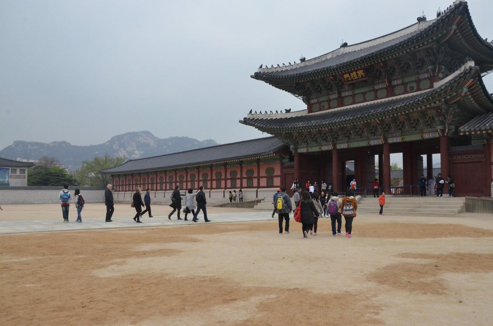 The Korea Manual | Info Perlu Tahu Untuk Backpacking di Korea Selatan!