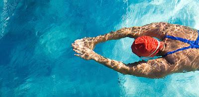 Mejora tu espalda con la natación