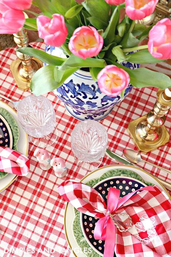 Valentine's day table setting 1, red gingham, pink tulips