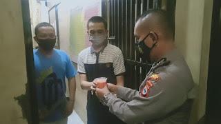 Ramadhan Berbagi, Kapolres Gowa Bagikan Menu Buka Puasa Ke Tahanan