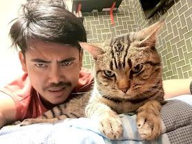 Penasaran Apa Yang Dilakukan Kucing Nya di Malam hari Pria Ini Sengaja Memasang Kamera Saat Tidur, Hasil nya ? - Responsive Blogger Template