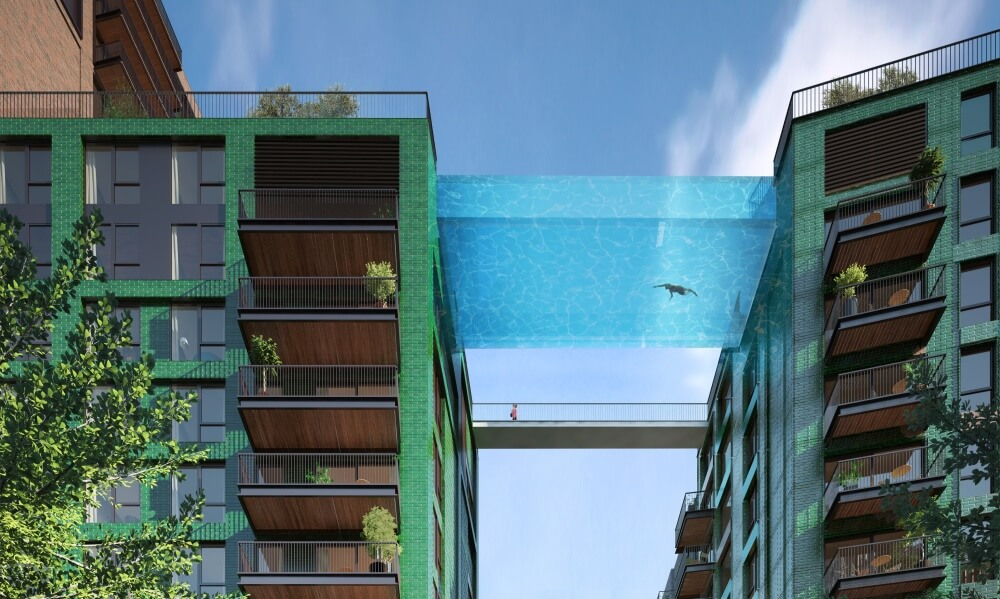 تصميم لمسبح زجاجي معلق بين مبنيين في لندن