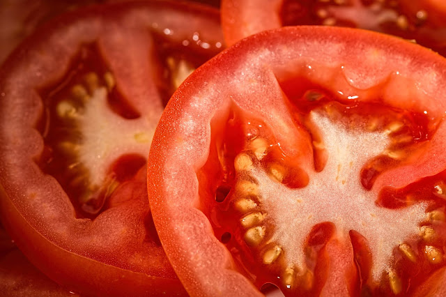 Tomatoes to get rid of dark circles home remedies