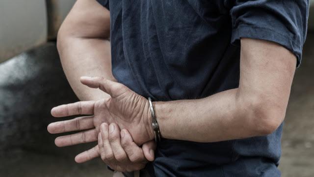 18χρονος κυκλοφορούσε σε χωριό του Ναυπλίου με μαχαίρι