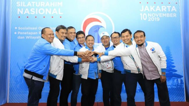 Partai Gelora Sah, Yasonna Serahkan SK Badan Hukum