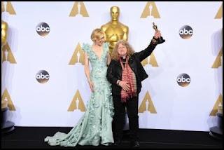Cate Blanchett y Jenny Beaven en los Oscars 2016
