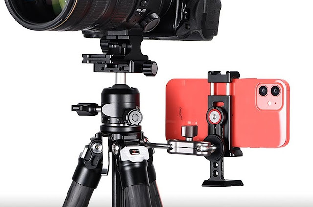 Sunwayfoto Ultra Compact accessory mounting holes