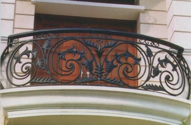 Desain Klasik untuk Balkon Rumah Minimalis Desain Klasik untuk Balkon Rumah Minimalis