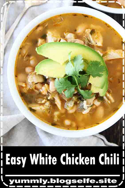 During the cold days on winter, we are always looking for easy and comforting dinner recipes, how about you? Chili is always a staple at our house and this Easy White Chicken Chili is the best because it is sO easy, creamy, and the flavors are sO good. The chili is made in one pot, making clean up a breeze too! It is the perfect meal for a busy weeknight dinne