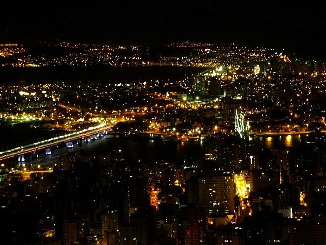Visão Noturna de Florianópolis (Morro da Cruz)