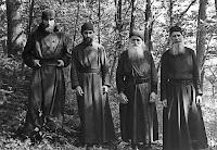 Архимандрит Сергий (Шевич, 1903–1987) с духовными чадами