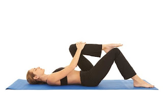 تمرين Knee To Chest Stretch