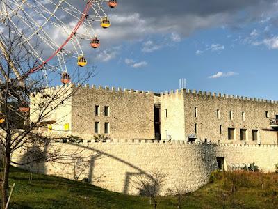 イメージ画像:城のある公園