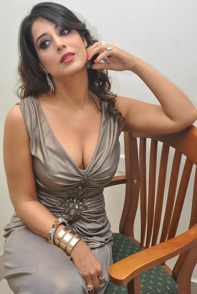 Mahi Gill Hot Sexy Photos At Thoofan Movie Audio Launch -2643