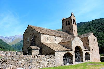 Iglesia de San Miguel en Linás de Broto