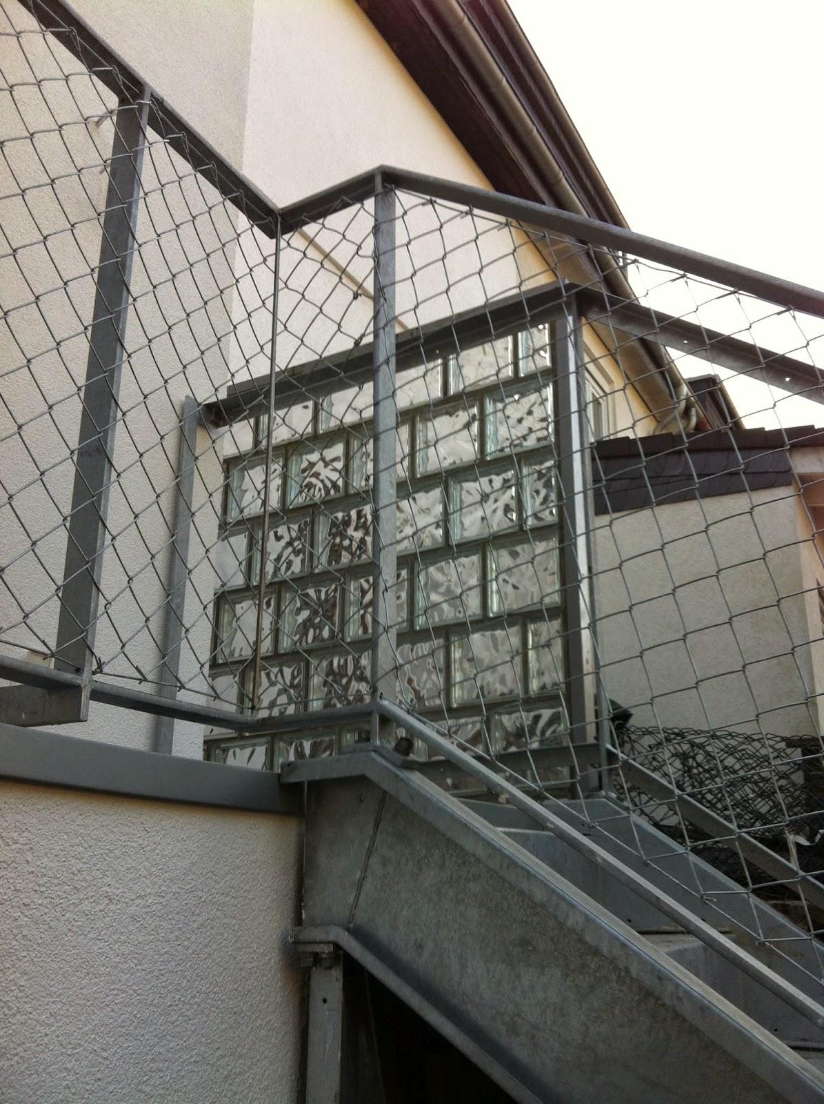 terrassen und treppengel nder mit maschendraht fr bel metallbau. Black Bedroom Furniture Sets. Home Design Ideas