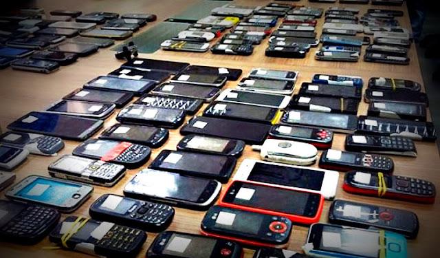 Atrapan a una banda dedicada al desbloqueo y venta de móviles robados