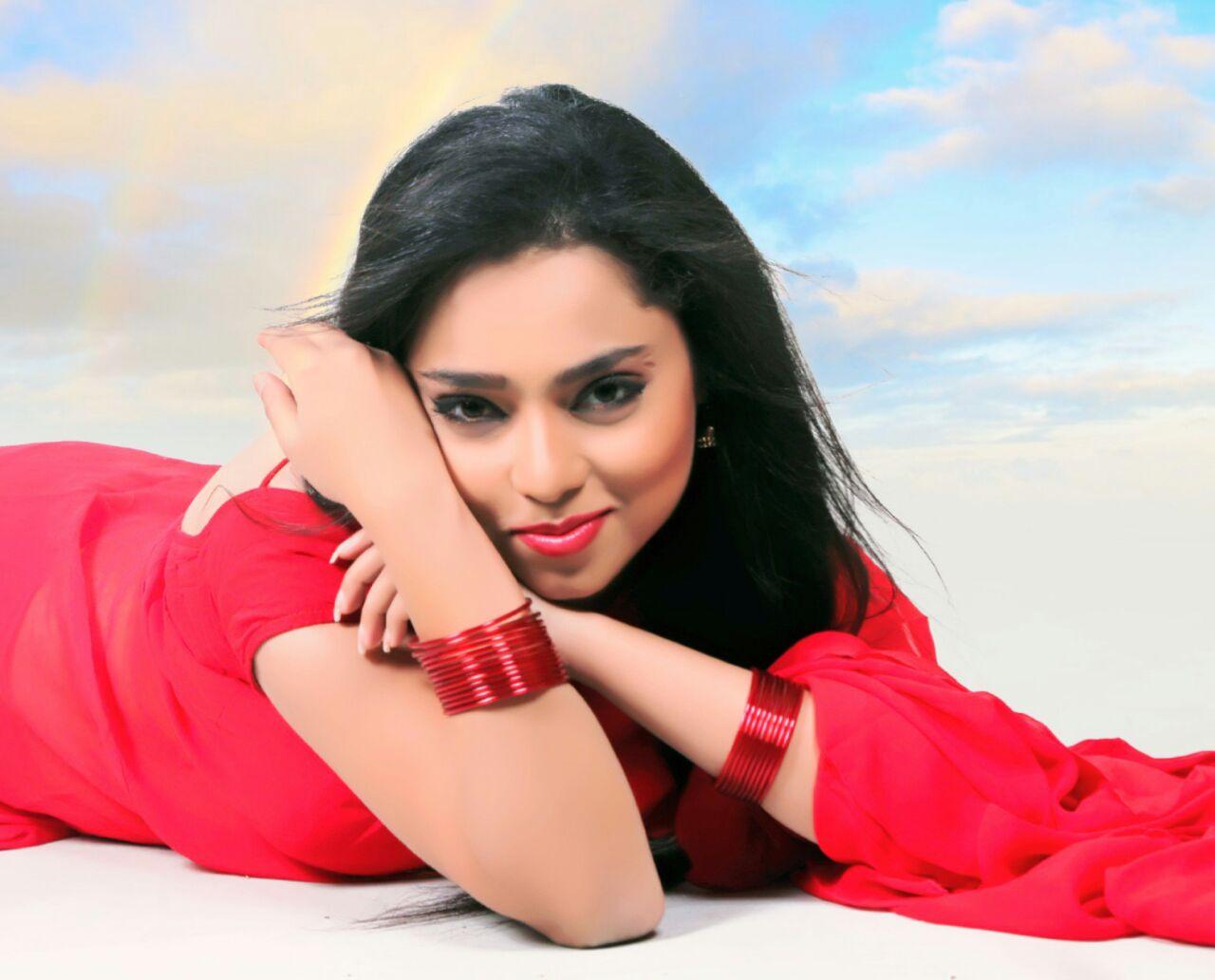 Actress Leera Kaljai In Hot Red Saree