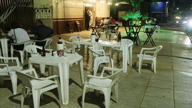 Houve flagrante de consumo de bebida alcoólica em horário não permitido pelo Decreto